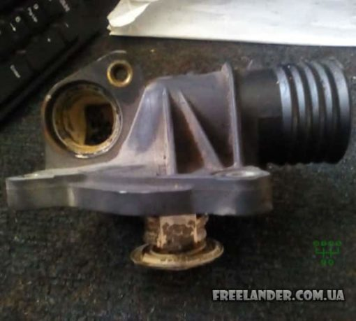Корпус термостата Land Rover Freelander (BMW) 1