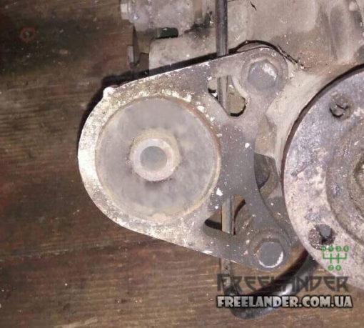 Опора заднього редуктора Land Rover Freelander 98-06 KHC500070 KHC100800