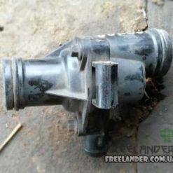 Термостат в корпусі Land Rover Freelander 1.8 PEM10025L