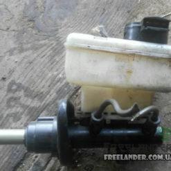 Головний тормозний циліндр Land Rover Freelander SJC000010