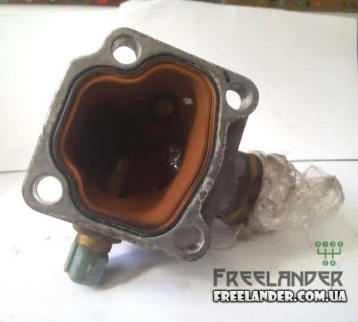 Фото Фланець двигуна системи охолодження Land Rover Freelander PEQ100710