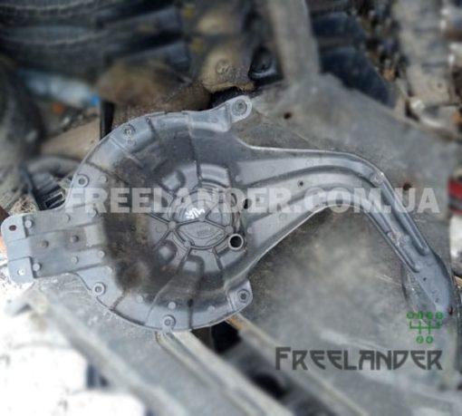 Фото Кронштейн запасного колеса Freelander 1 BHU490010