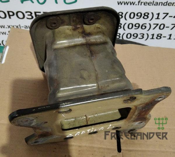 Фото Кронштейн підсилювача бампера передній лівий Chevrolet Captiva C100 96858966 Cамбір